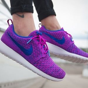 the latest 1ee9c 9c8b8 Nike Shoes - Nike Roshe One Fly Knit Trainers